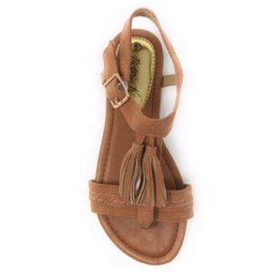 NWOB Victoria K Camel brown tassel and braided